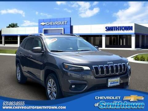 2019 Jeep Cherokee for sale at CHEVROLET OF SMITHTOWN in Saint James NY
