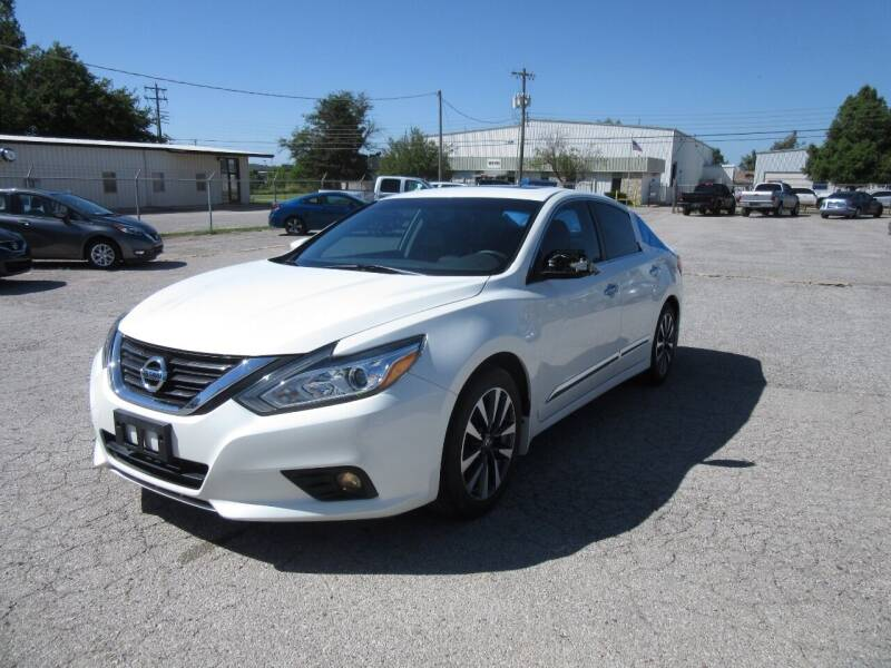 2017 Nissan Altima for sale at Grays Used Cars in Oklahoma City OK