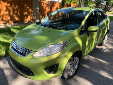 2013 Ford Fiesta for sale at FINANCIAL CLAIMS & SERVICING INC in Hollywood FL