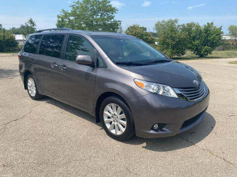 2015 Toyota Sienna for sale at Triangle Auto Sales in Elgin IL