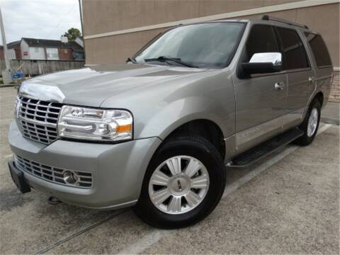 2008 Lincoln Navigator for sale at Abe Motors in Houston TX