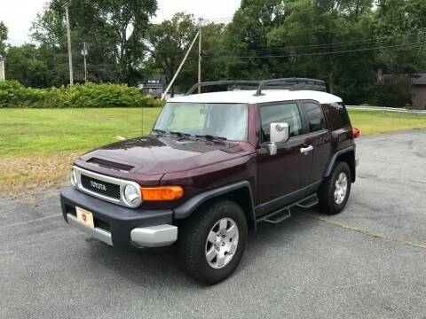 2007 Toyota FJ Cruiser for sale at BORGES AUTO CENTER, INC. in Taunton MA
