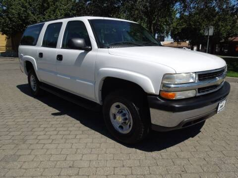 2006 Chevrolet Suburban for sale at Family Truck and Auto.com in Oakdale CA