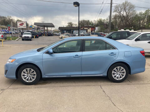 2012 Toyota Camry for sale at GRC OF KC in Gladstone MO