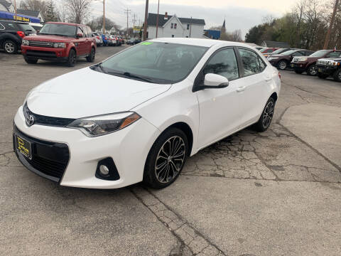2015 Toyota Corolla for sale at PAPERLAND MOTORS in Green Bay WI