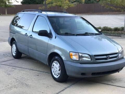 2000 Toyota Sienna for sale at Two Brothers Auto Sales in Loganville GA