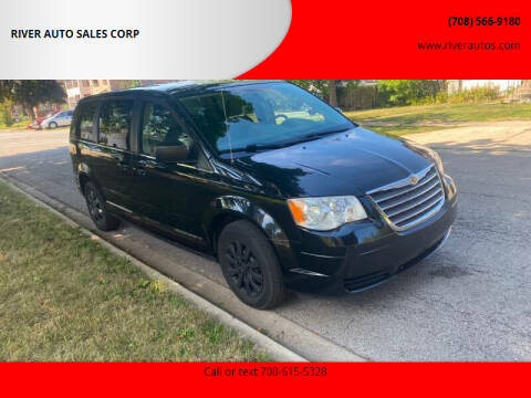 2010 Chrysler Town and Country for sale at RIVER AUTO SALES CORP in Maywood IL