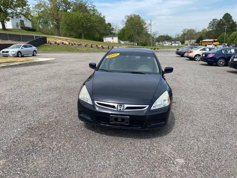 2007 Honda Accord for sale at B & B AUTO SALES INC in Odenville AL