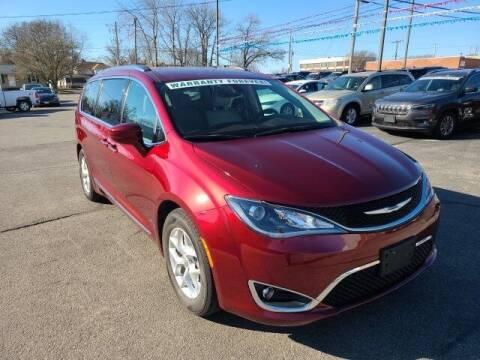 2018 Chrysler Pacifica for sale at LeMond's Chevrolet Chrysler in Fairfield IL