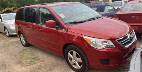 2009 Volkswagen Routan for sale at Trocci's Auto Sales in West Pittsburg PA