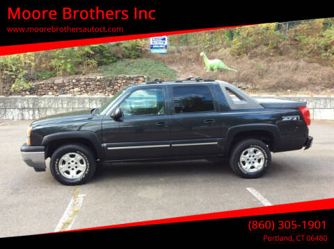 2005 Chevrolet Avalanche for sale at Moore Brothers Inc in Portland CT