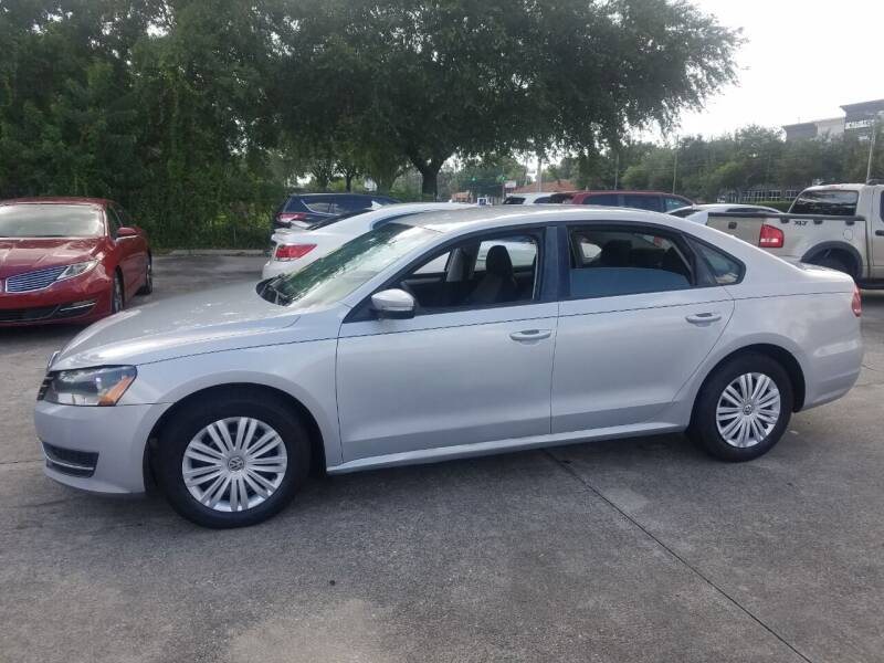 2014 Volkswagen Passat for sale at FAMILY AUTO BROKERS in Longwood FL