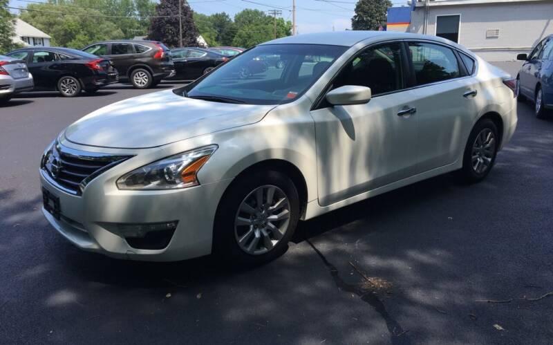 2014 Nissan Altima for sale at Delafield Motors in Glenville NY