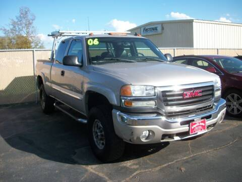2006 GMC Sierra 2500HD for sale at Lloyds Auto Sales & SVC in Sanford ME