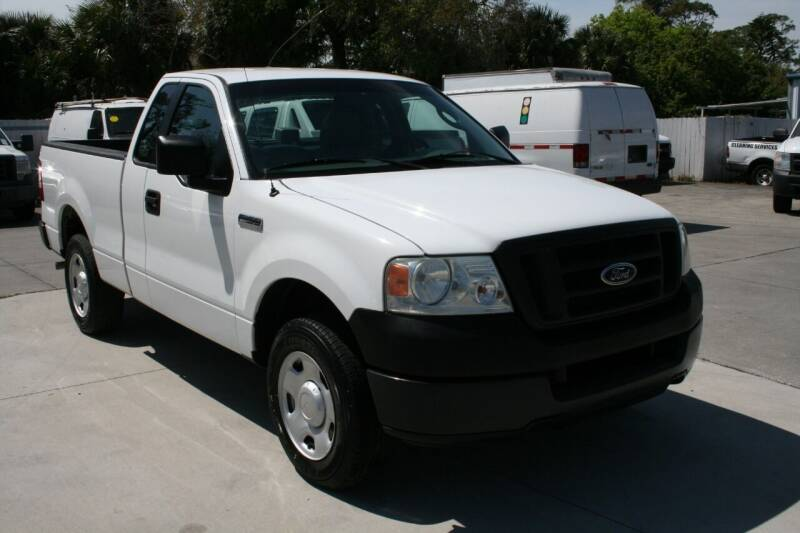 2005 Ford F-150 for sale at Mike's Trucks & Cars in Port Orange FL