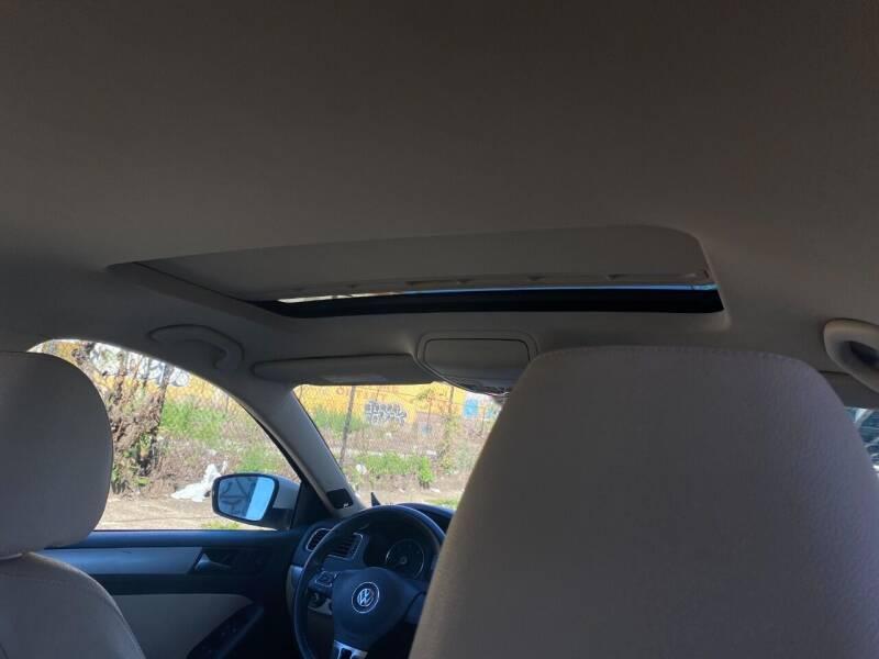 2012 Volkswagen Jetta TDI 4dr Sedan 6A w/ Premium and Navigation - Philladelphia PA
