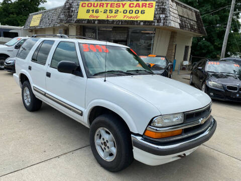 2001 Chevrolet Blazer for sale at Courtesy Cars in Independence MO