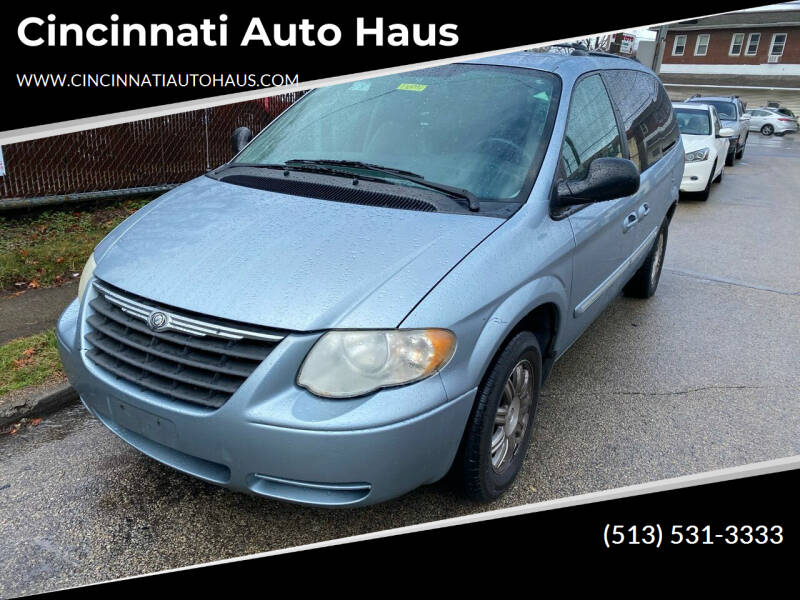 2005 Chrysler Town and Country for sale at Cincinnati Auto Haus in Cincinnati OH