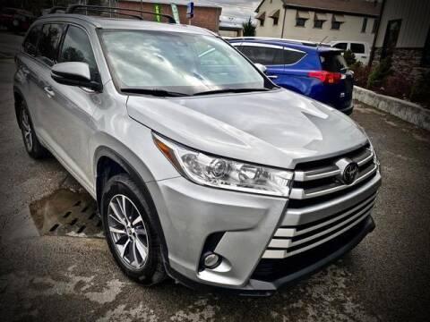 2018 Toyota Highlander for sale at Carder Motors Inc in Bridgeport WV