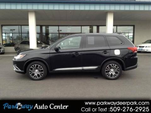 2018 Mitsubishi Outlander for sale at PARKWAY AUTO CENTER AND RV in Deer Park WA