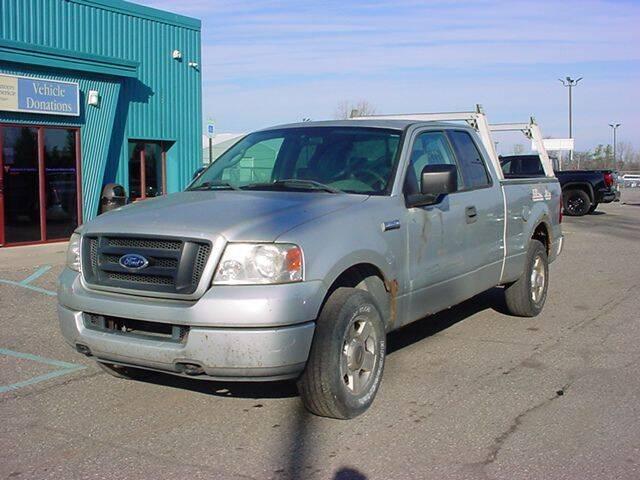 2004 Ford F-150 for sale at VOA Auto Sales in Pontiac MI