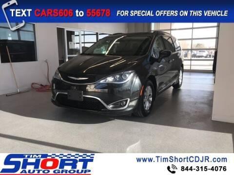 2017 Chrysler Pacifica for sale at Tim Short Chrysler in Morehead KY