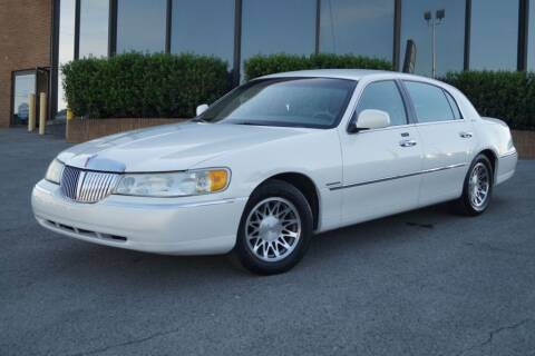 2000 Lincoln Town Car for sale at Next Ride Motors in Nashville TN