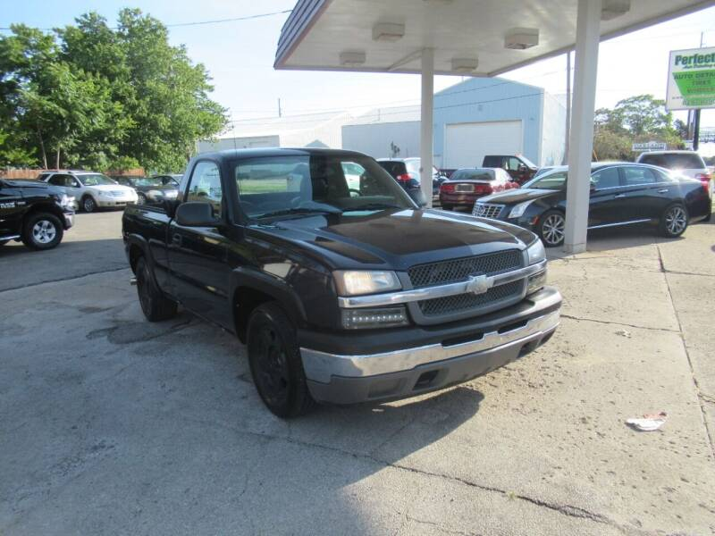 2005 Chevrolet Silverado 1500 for sale at Perfection Auto Detailing & Wheels in Bloomington IL
