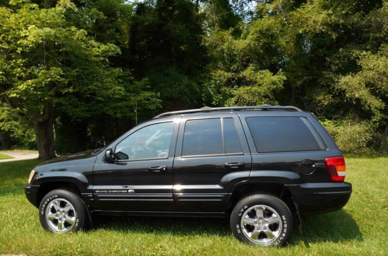 2003 Jeep Grand Cherokee for sale at CARS II in Brookfield OH