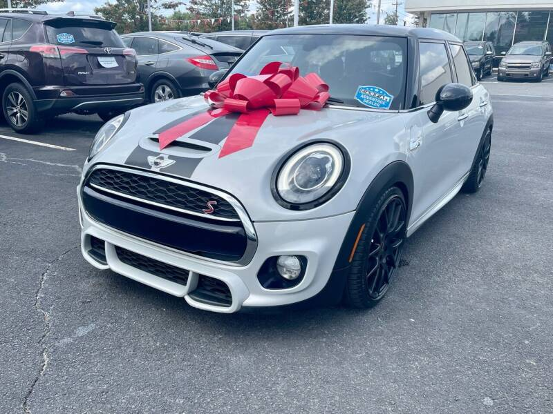 2016 MINI Hardtop 4 Door for sale at Charlotte Auto Group, Inc in Monroe NC