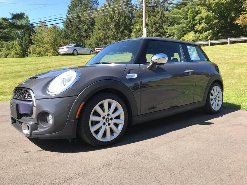 2014 MINI Hardtop for sale at EuroMotors LLC in Lee MA
