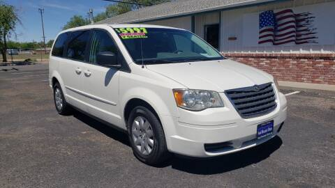2009 Chrysler Town and Country for sale at Sand Mountain Motors in Fallon NV