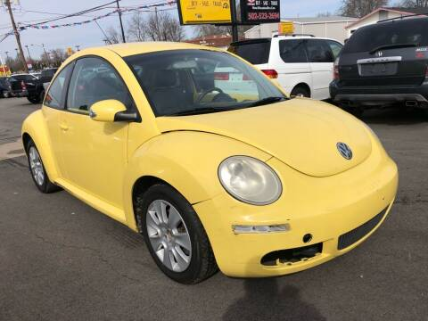 2008 Volkswagen New Beetle for sale at Wise Investments Auto Sales in Sellersburg IN