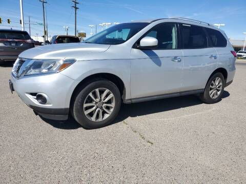 2016 Nissan Pathfinder for sale at Revolution Auto Group in Idaho Falls ID