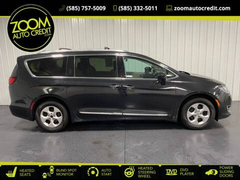 2017 Chrysler Pacifica for sale at ZoomAutoCredit.com in Elba NY
