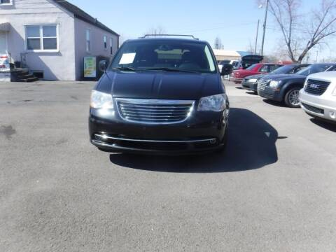 2014 Chrysler Town and Country for sale at Rob Co Automotive LLC in Springfield TN