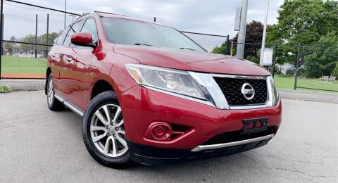 2013 Nissan Pathfinder for sale at Maxima Auto Sales in Malden MA