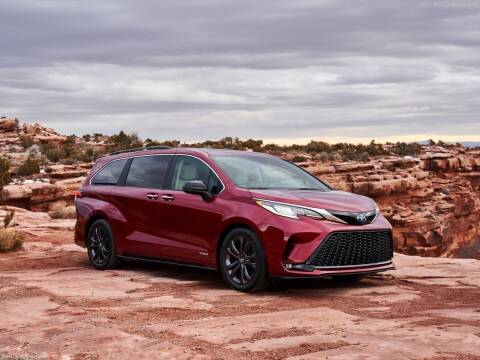 2021 Toyota Sienna for sale at Xclusive Auto Leasing NYC in Staten Island NY