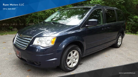 2008 Chrysler Town and Country for sale at Ryan Motors LLC in Warsaw IN