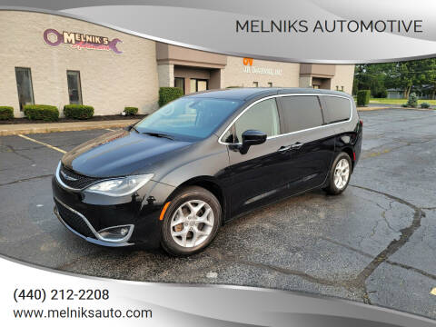 2018 Chrysler Pacifica for sale at Melniks Automotive in Berea OH