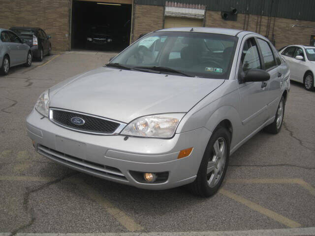 2007 Ford Focus for sale at ELITE AUTOMOTIVE in Euclid OH
