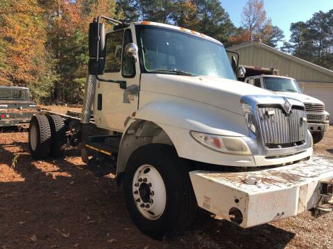 2006 International DuraStar 4400 for sale at M & W MOTOR COMPANY in Hope AR
