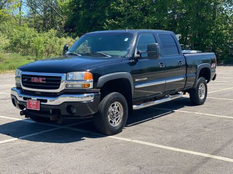 2006 GMC Sierra 2500HD for sale at Hillcrest Motors in Derry NH