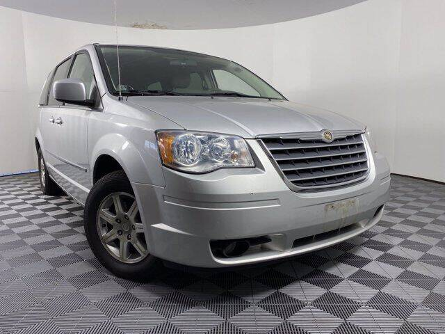 2009 Chrysler Town and Country for sale at GotJobNeedCar.com in Alliance OH