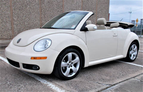 2006 Volkswagen New Beetle Convertible for sale at M G Motor Sports in Tulsa OK