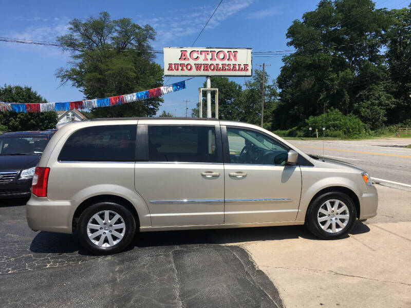 2016 Chrysler Town and Country for sale at Action Auto Wholesale in Painesville OH