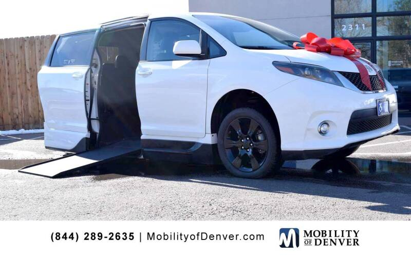 2015 Toyota Sienna for sale at CO Fleet & Mobility in Denver CO
