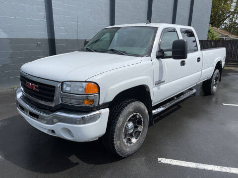 2007 GMC Sierra 3500 Classic for sale at APX Auto Brokers in Lynnwood WA