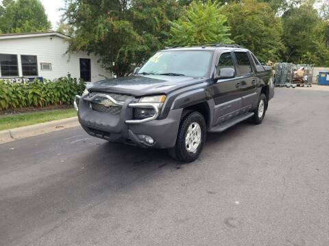 2004 Chevrolet Avalanche for sale at TR MOTORS in Gastonia NC