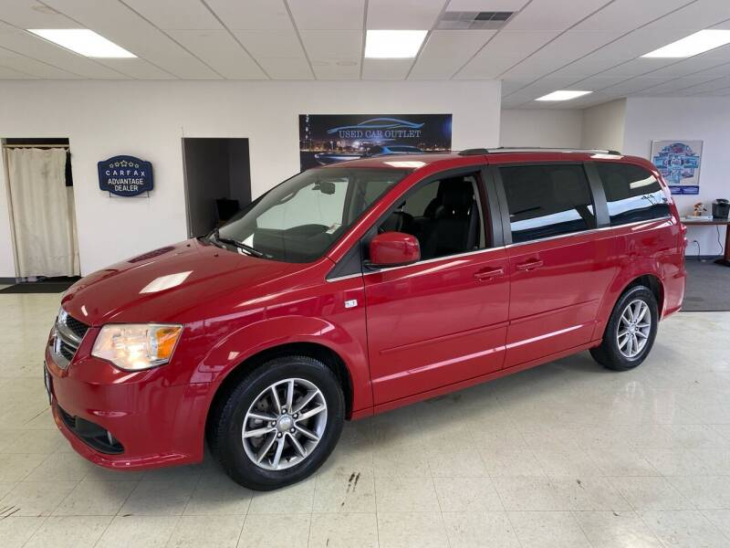 2014 Dodge Grand Caravan for sale at Used Car Outlet in Bloomington IL